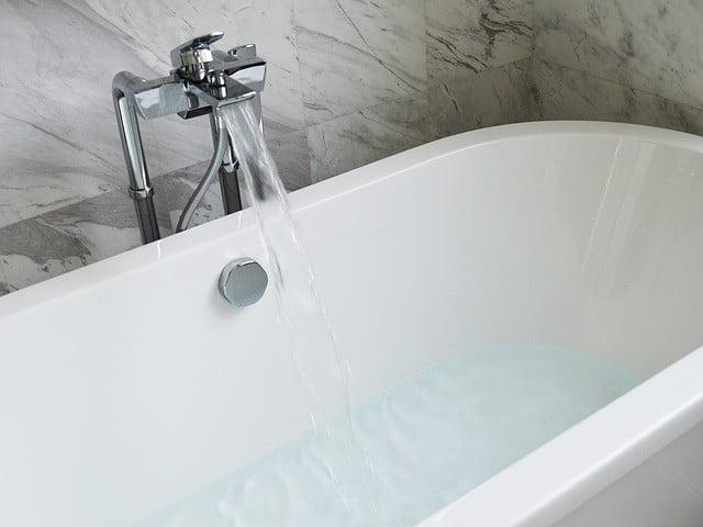 prendre un bain chaud pour maigrir plut t que faire de l 39 exercice. Black Bedroom Furniture Sets. Home Design Ideas