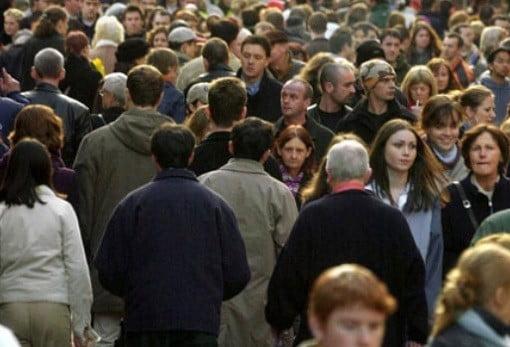 Des gens dans la rue.