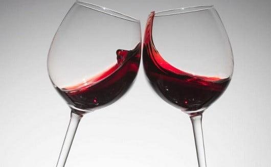 Du vin.