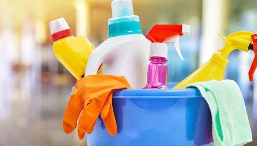 Des produits ménagers