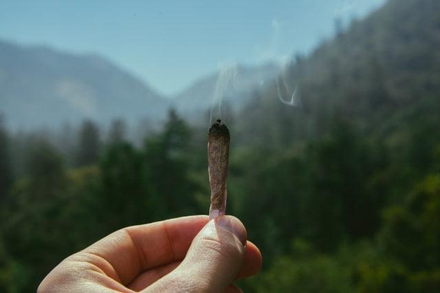 Un joint qui se consume.