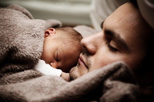 Enfants : les horaires de coucher régulier influencent l'indice de masse corporelle