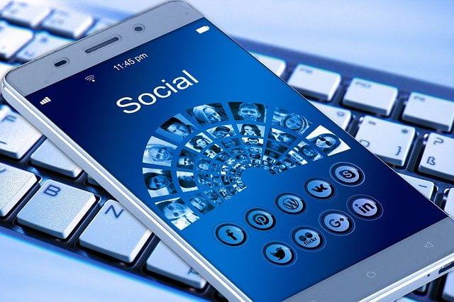 De nombreuses conclusions ont ainsi pu être établies autour de l'impact des réseaux sociaux sur la population adolescente.