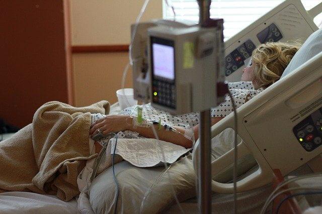 Une étude les risques d'hospitalisation et de décès à l'hôpital lié à la COVID-19.
